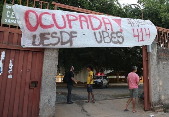 Brasília - Alunos ocupam Colégio de Samambaia em ato contra a reforma do ensino médio, a escola tem 1,7 mil alunos e a aula foi cancelada (Wilson Dias/Agência Brasil)
